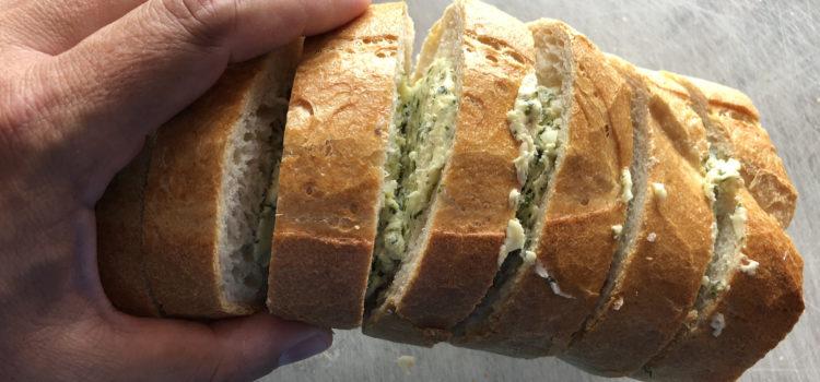 Issi's Kräuter-Knoblauch-Brot