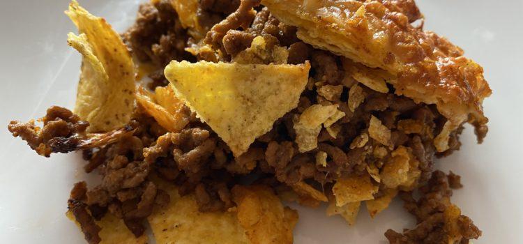 Tortilla-Chips mit Hackfleisch und Käse